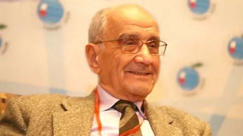 Eski Dışişleri Bakanımız Mümtaz Soysal hayatını kaybetti